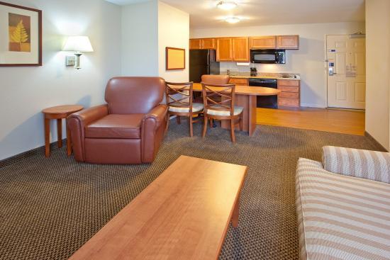 Merrillville, IN: One Bedroom Suite