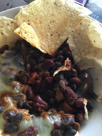 Ashland, Βιρτζίνια: This was called chili. Notice the dried out beans.