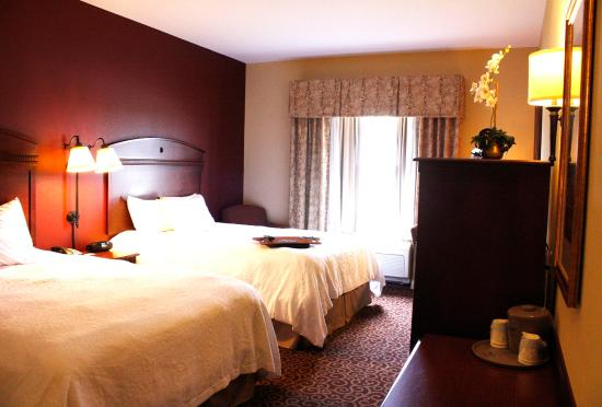 Hampton Inn Auburn: Double Queen Room
