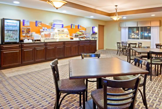 Devils Lake, Dakota del Norte: Complimentary Hot Breakfast Buffet