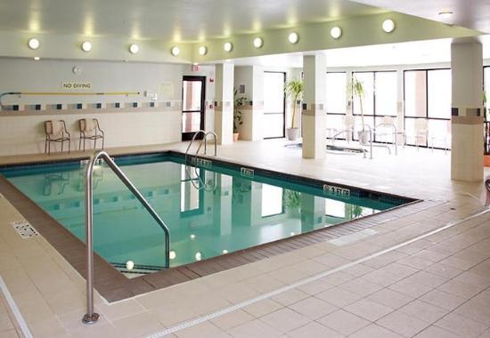 West Des Moines, IA: Indoor Pool & Spa