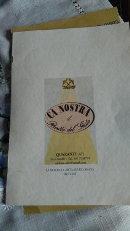Quaranti, Italie :  vin deCart