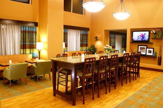 Leesburg, FL: Lobby/Breakfast Area