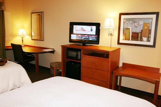 Hampton Inn Leesburg - Tavares: Two Queen Beds
