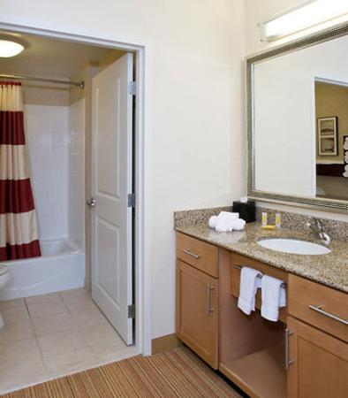 West Chester, OH: Guest Bathroom