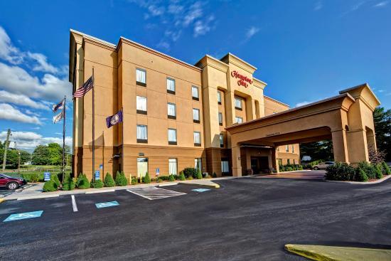 กาแลกซ์, เวอร์จิเนีย: Welcome at the Hampton Inn Galax.