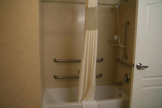 Kilgore, TX: Accessible Shower