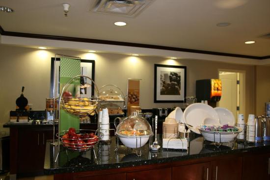 Alpine, TX: Breakfast Bar
