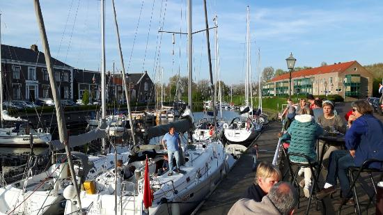 Brouwershaven, Países Bajos: Restaurant en haventje