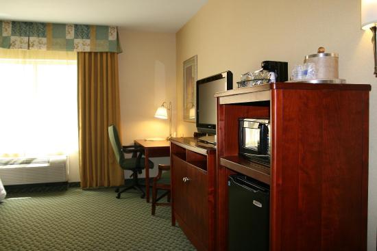 Hampton Inn & Suites El Paso West : In Room Amenities
