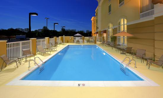 Scottsboro, AL: Outdoor Saline Pool