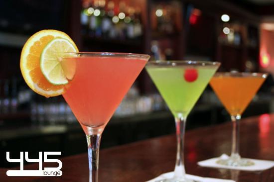 Tewksbury, MA: Martini Monday Maddness