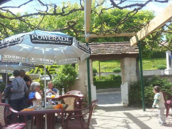Montagrier, Frankrijk: Outside Eating