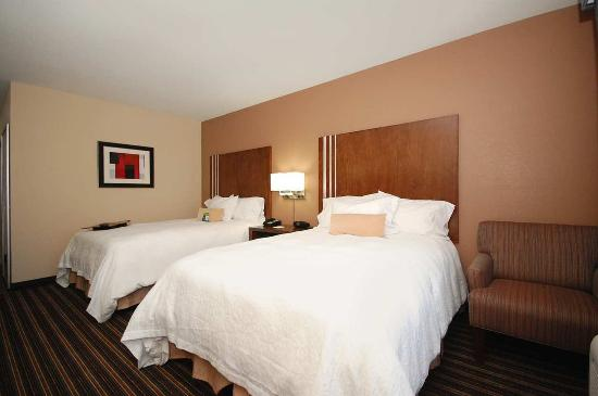 Flowood, Mississippi: Two Queen Beds