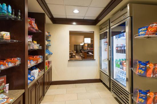 Hampton Inn and Suites Peoria at Grand Prairie: Suite Shop
