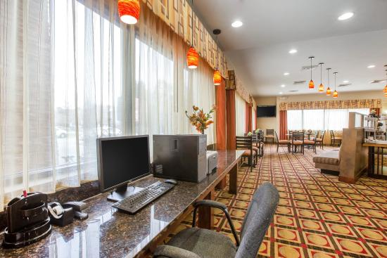 Comfort Suites Golden Isles Gateway Brunswick : Business center