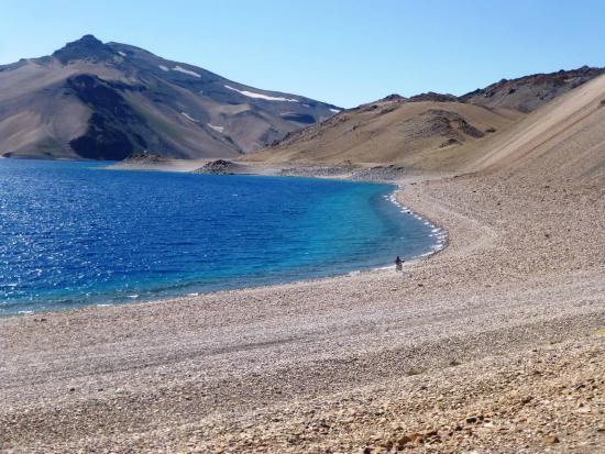 Neuquen, Argentina: recorriendo las orillas