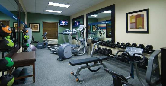 Hampton Inn & Suites Baton Rouge/Port Allen: Spacious Fitness Center
