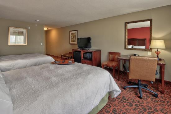Lordsburg, NM: Standard 2 Queen Room Furniture