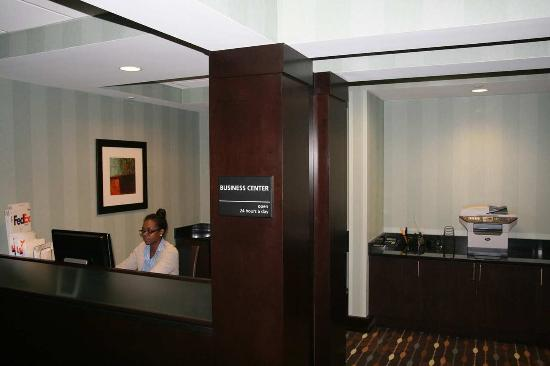 Hampton Inn Anderson/ Alliance Business Park : Business Center