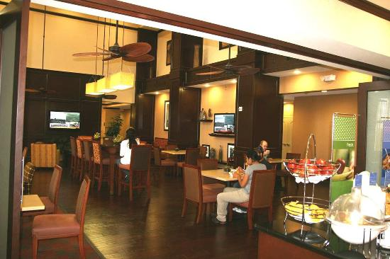 Hampton Inn & Suites New Braunfels: Breakfast Area