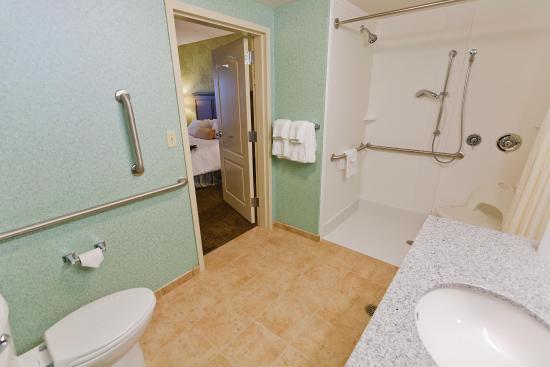 Exeter, Nueva Hampshire: Accessible Suite Bathroom