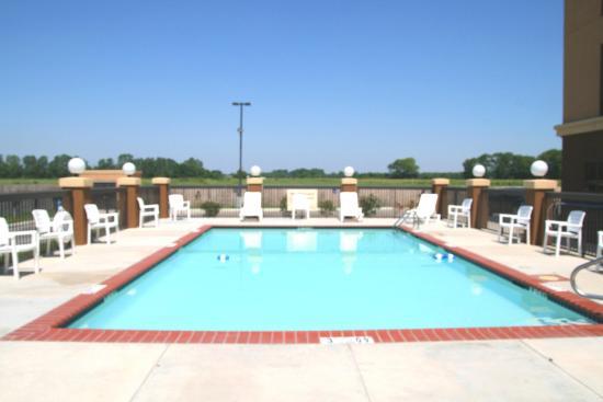 Yazoo City, MS: Outdoor Swimming Pool