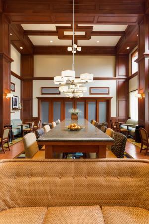 Hampton Inn & Suites Detroit/Chesterfield Township: Lobby