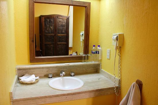 Hostal de la Noria: Bathroom