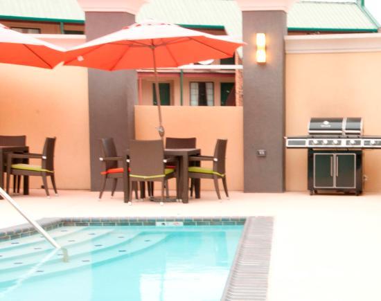 ลีส์วิลล์, หลุยเซียน่า: Outdoor Pool & Whirlpool