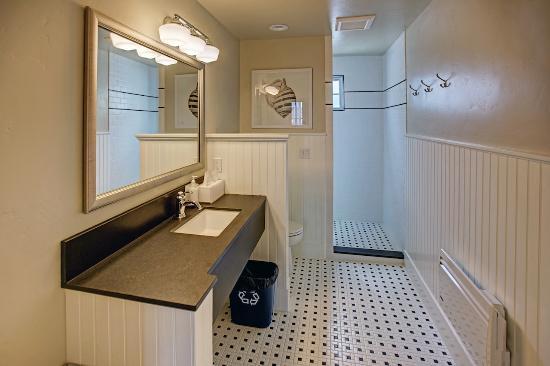 Roche Harbor, Waszyngton: Shared Bathroom