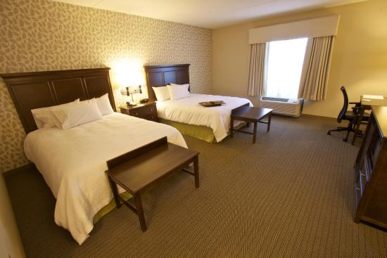 Tunkhannock, PA: Accessible Queen Room