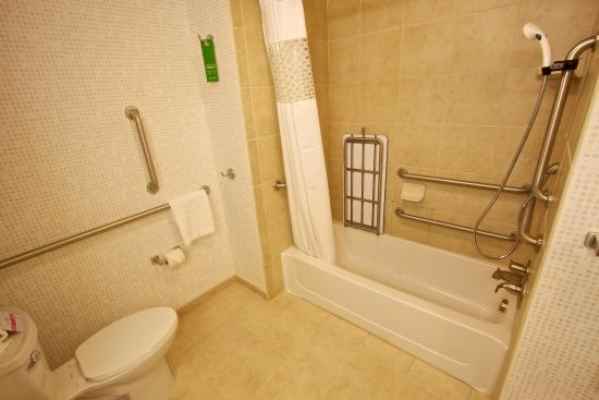 Tunkhannock, PA: Queen Accessible Bath