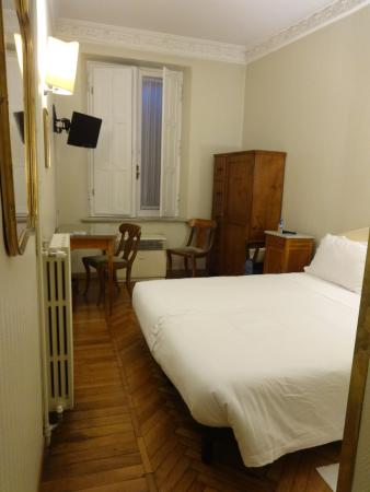multi jets sur le mur picture of hotel trevi collection rome rh tripadvisor com
