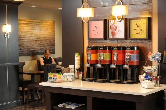 Neptune, Нью-Джерси: 24 Hour Coffee Station