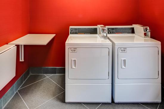 ทอมสัน, จอร์เจีย: Laundry