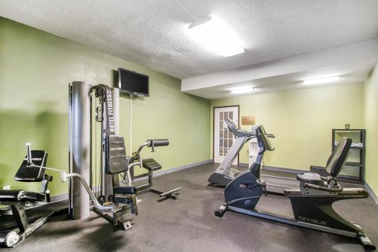 Quality Inn & Suites: Fitness