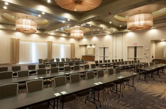 Midland, TX: Banquet Room – Classroom Setup
