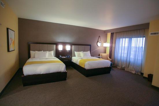 Bemidji, MN: 2 QUEEN BEDS STUDIO SUITE-CITY VIEW