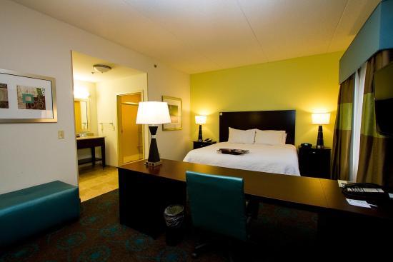 HamptonInn Fayetteville Hotel Suite 3