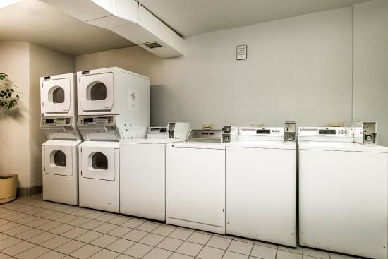 Thornton, Κολοράντο: Laundry