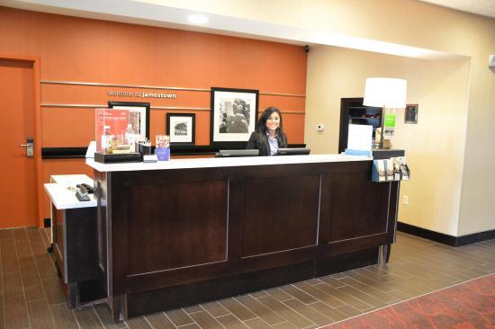 Jamestown, Dakota del Norte: Front Desk