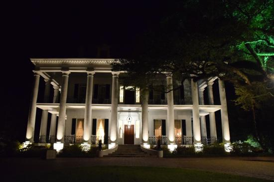 Natchez, MS: It was easy to escape to the 19th century walking the grounds at night.