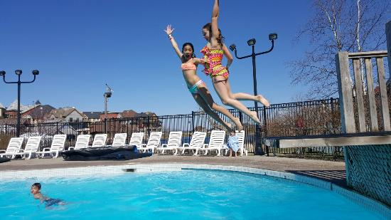 Plunge! Aquatic Center