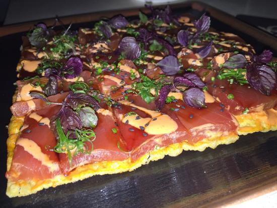 Sky Waikiki: Spicy Tuna Sashimi Pizza
