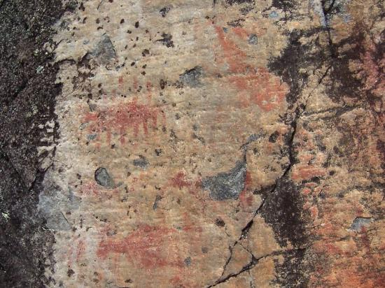 Ely, Μινεσότα: Centuries old Indian pictographs