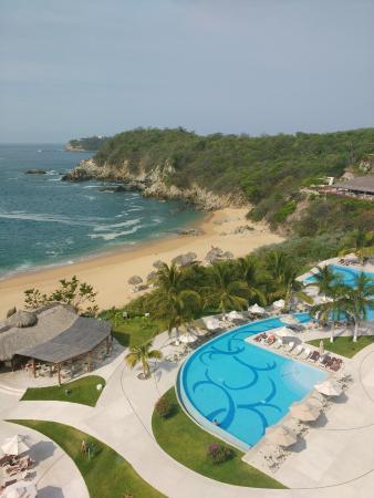 Secrets Huatulco Resort & Spa: Hermosa playa, hermoso lugar!!