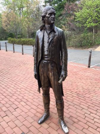 Charlottesville, Wirginia: Statue at the visitor's center.