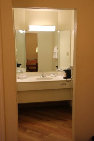 La Quinta Inn Montgomery Eastern Bypass - Bathroom