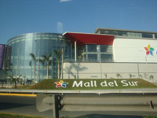 Playa Asia : El Mall  del Sur  en plena carretera